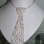 diamond-necklace-tie